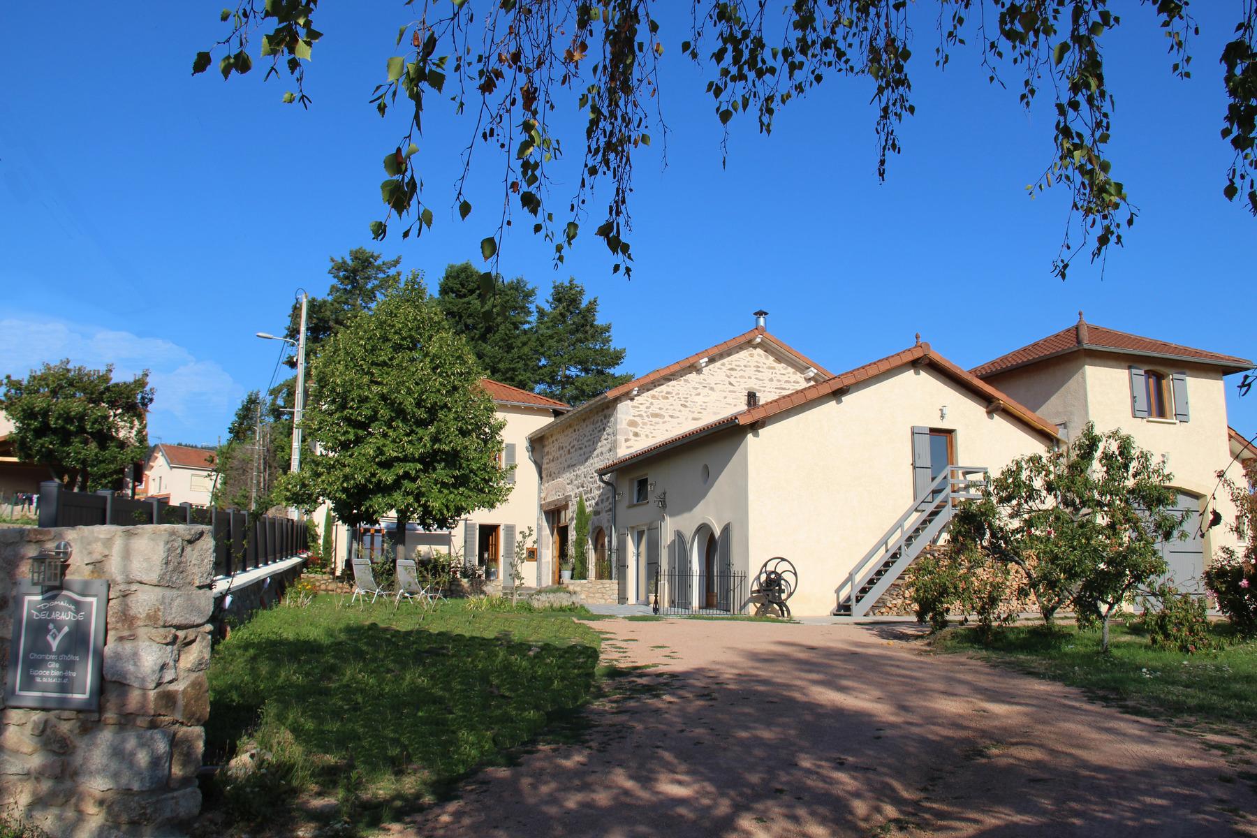 Maison d h´tes c´te Roannaise vacances  la campagne Domaine